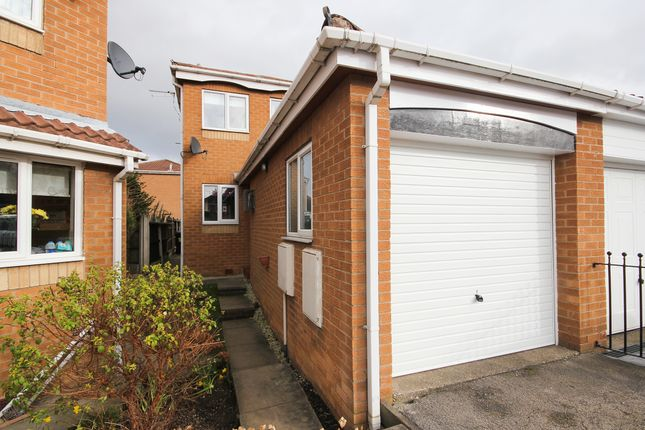 Thumbnail Town house to rent in Ringwood Road, Sothall, Sheffield