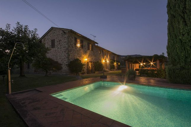4 bed town house for sale in 51011 Borgo A Buggiano Pt, Italy
