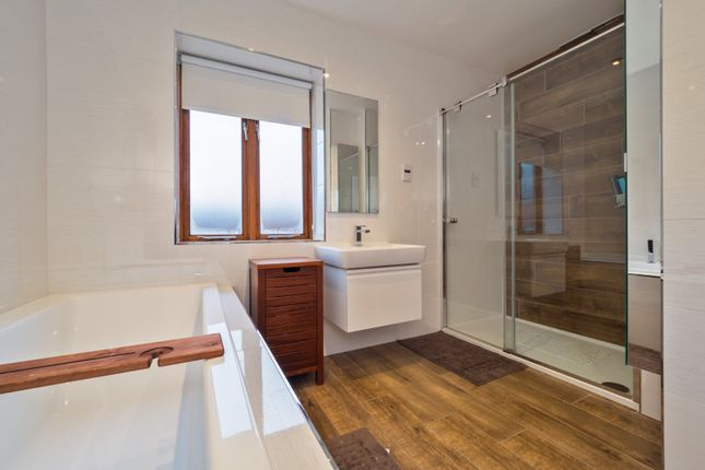 Bathroom of Deans Wharf, Deans Lane, Thelwall WA4