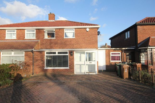 Thumbnail Semi-detached house to rent in The Pantiles, Bexleyheath