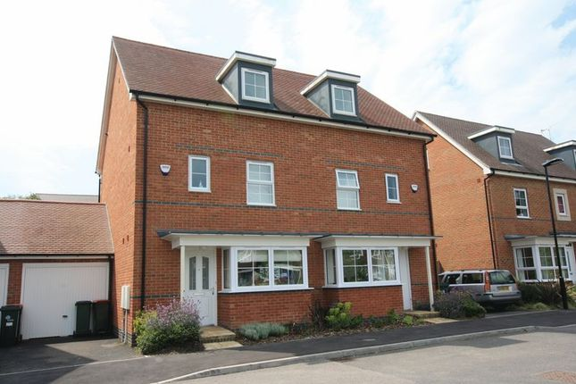 Thumbnail Semi-detached house to rent in Wychwood Road, Crawley