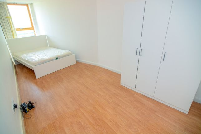 Thumbnail Room to rent in 65, Galaxy Building