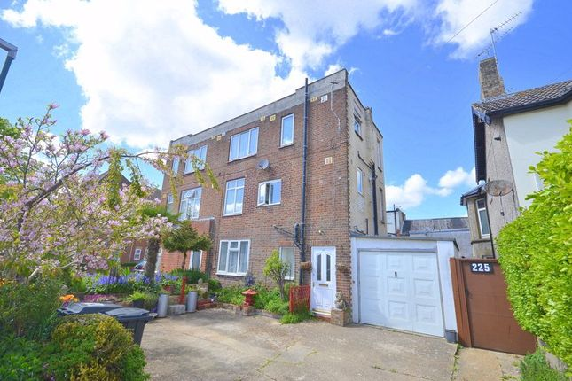 2 bed flat for sale in Windham Road, Boscombe, Bournemouth BH1