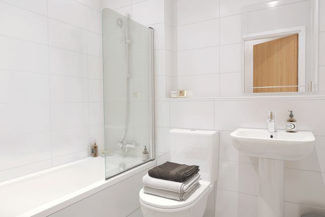 Thumbnail Flat for sale in Southdownview Road, Broadwater, Worthing