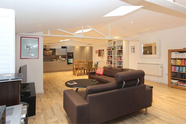 Thumbnail Flat to rent in 1 Pavillion House, Barras Lane, Vale
