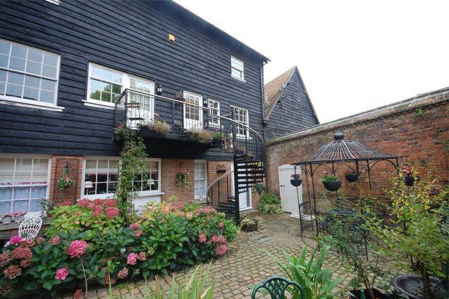 Thumbnail Maisonette for sale in Prebendal House, Parsons Fee, Aylesbury