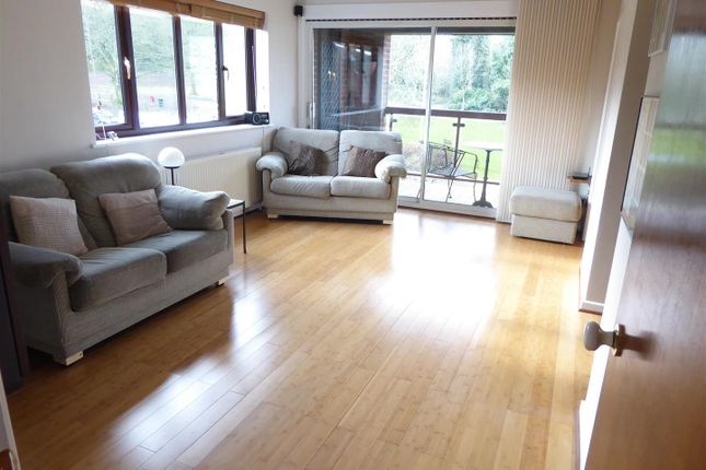 Thumbnail Flat for sale in Westdown Gardens, Whipsnade Road, Dunstable
