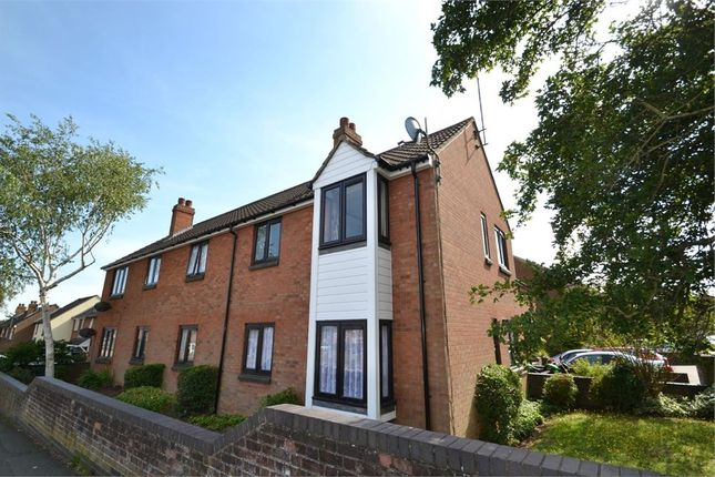 Thumbnail Flat to rent in Hawthorn Avenue, Colchester