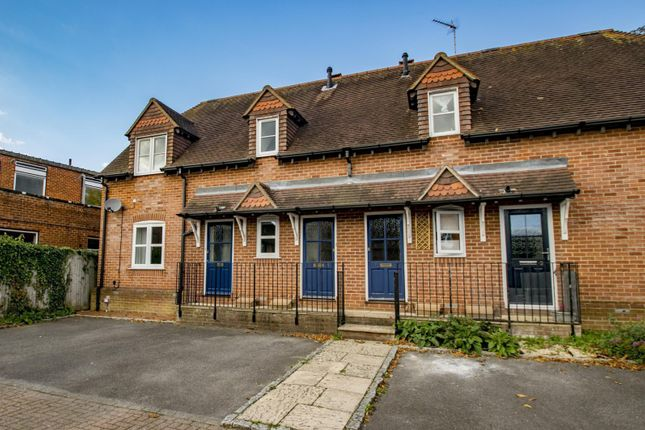 Thumbnail Flat to rent in Cleeve Road, Goring On Thames