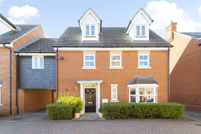 Thumbnail Link-detached house for sale in Taylor Way, Great Baddow, Chelmsford, Essex