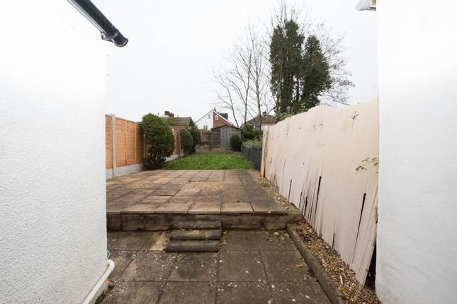 Thumbnail Terraced house to rent in Victoria Road, Netleyabbey