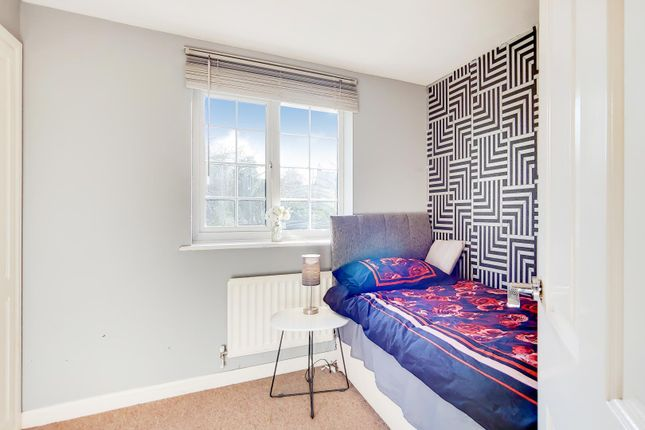 10_Bedroom 4-0 of Carew Close, Chafford Hundred, Grays RM16