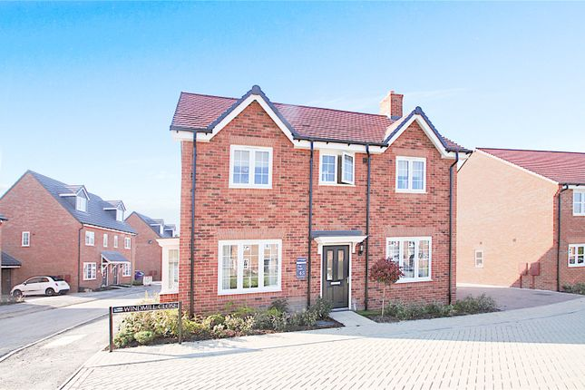 Thumbnail Detached house for sale in Windmill Chase, Chinnor