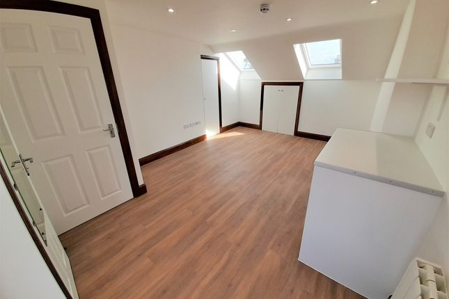 Studio to rent in Shelbourne Road, London N17