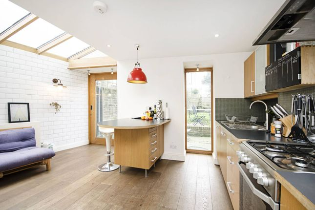 Thumbnail Maisonette to rent in Barnsdale Road, Maida Hill