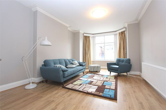 Thumbnail Flat to rent in Selborne Road, Southgate
