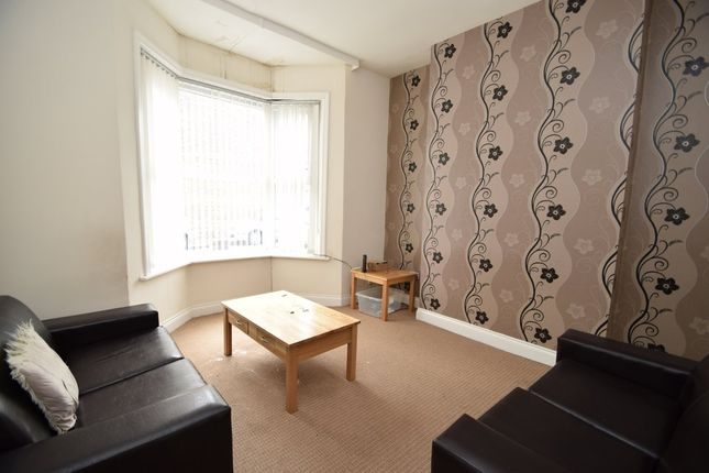 3 bed terraced house to rent in Vale Street, Sunderland