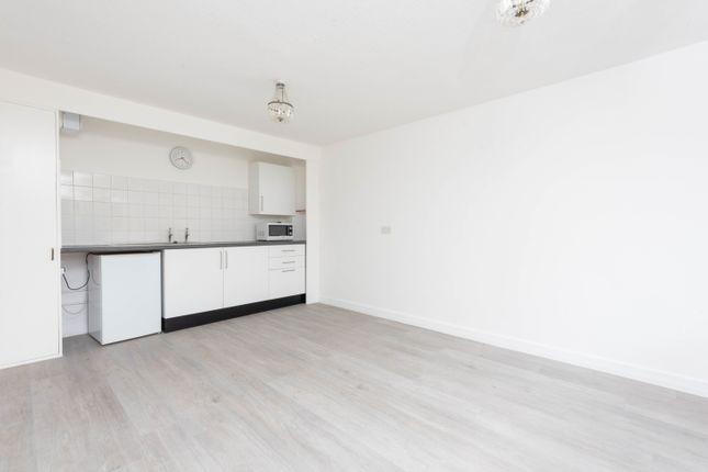 Thumbnail Flat to rent in Osberton Road, Oxford, Oxfordshire