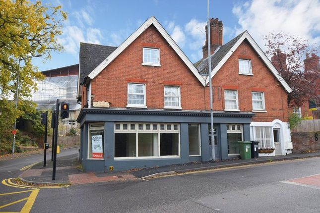 Thumbnail 2 bed maisonette for sale in New Town, Uckfield