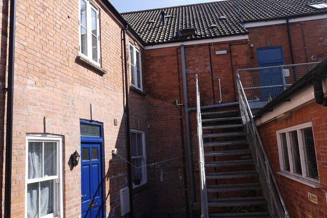 Thumbnail Flat to rent in Feversham Lane, Glastonbury