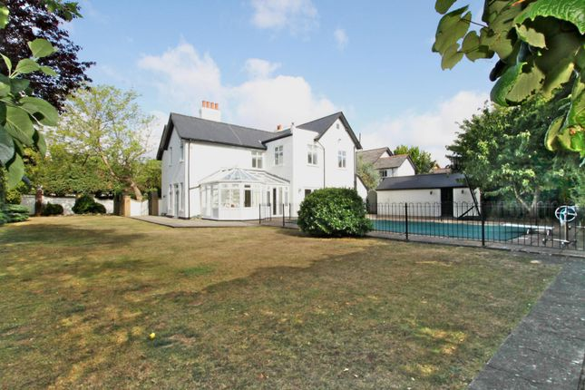 Thumbnail Detached house to rent in Ashley Road, Walton-On-Thames