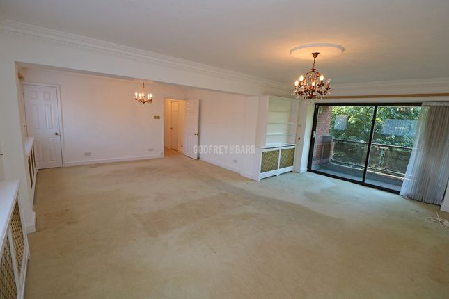 Thumbnail Flat for sale in Spencer Close, London
