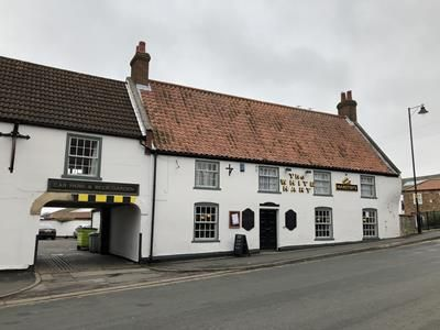 Thumbnail Pub/bar for sale in The White Hart, 58 Bridge Street, Brigg, Lincolnshire