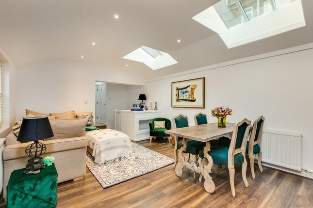 Thumbnail Mews house for sale in Foxton Mews, Richmond