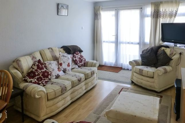 Living Area of Beach Road, Great Yarmouth NR29