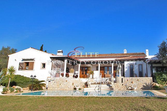 Thumbnail Farmhouse for sale in Alvor, Algarve, Portugal