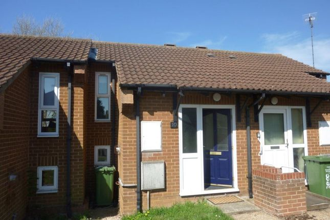Thumbnail Terraced house to rent in Elizabeth Close, Hunstanton