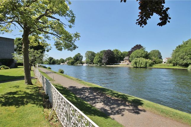 Thumbnail Flat for sale in Glen Court, Riverside Road, Staines-Upon-Thames, Surrey