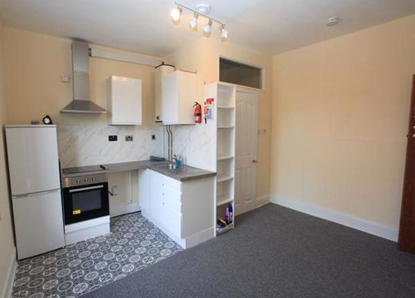 1 bed flat to rent in Acacia Mews, Upper Station Road, Staple Hill, Bristol BS16