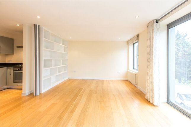 Thumbnail Flat to rent in Trinity Road, Wandsworth Common, London