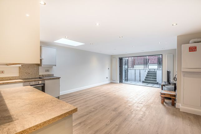 Thumbnail Flat for sale in Eade Road, Harringay, London