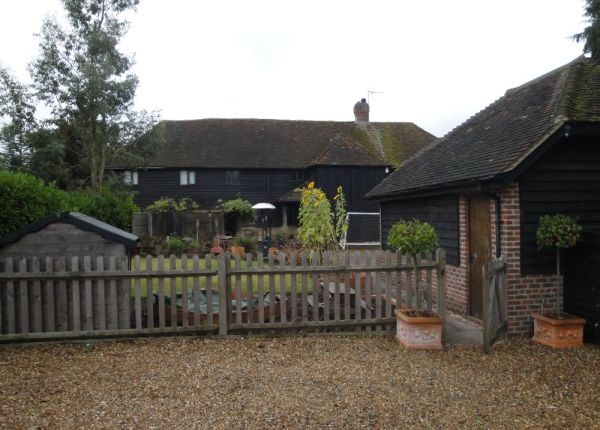 4 bed barn conversion to rent in Amberley Lane, Godalming