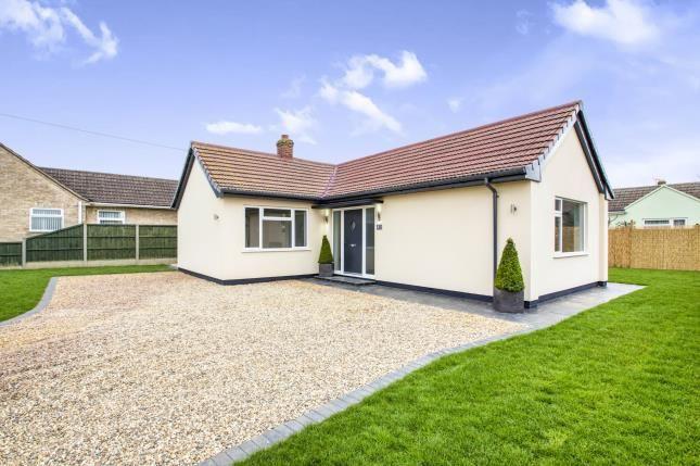 2 bed bungalow for sale in Desborough Road, Hartford, Huntingdon, Cambridgeshire