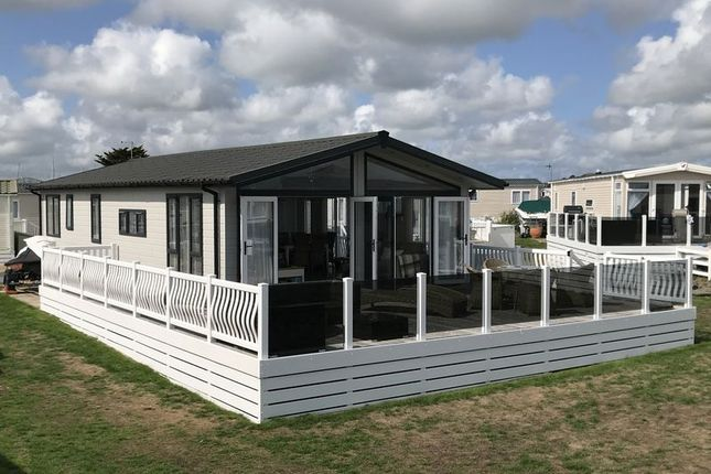 Thumbnail Mobile/park home for sale in Gimblet Rock Holiday Park, Pwllheli