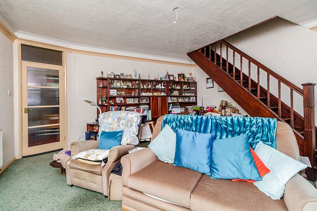 Lounge of Barnfield Close, New Barn, Kent DA3