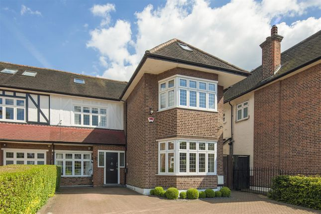 5 bed property for sale in Hocroft Road, The Hocrofts