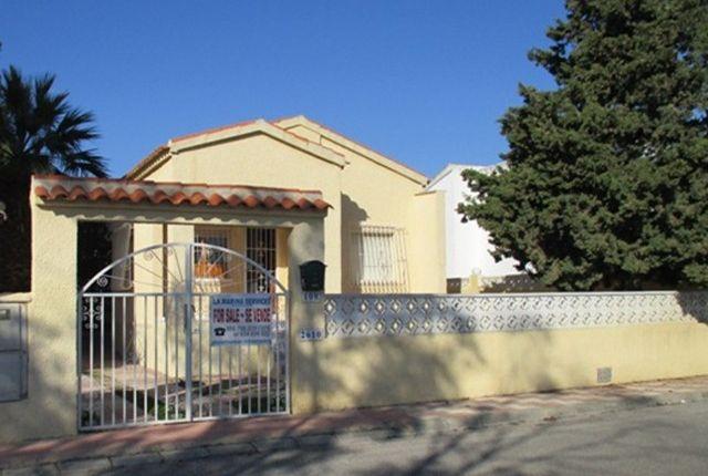 Thumbnail Detached bungalow for sale in Urbanización La Marina, San Fulgencio, La Marina, Costa Blanca South, Costa Blanca, Valencia, Spain