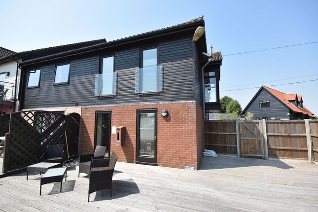 Thumbnail Town house for sale in Ferry Road, Horning