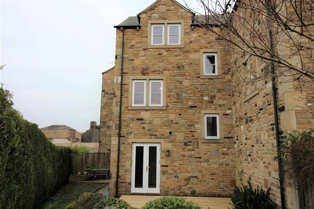 Thumbnail Town house for sale in Grove Mill Court, Otley