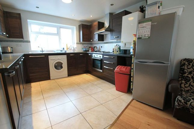 Thumbnail Flat to rent in Miskin Street, Cathays, Cardiff