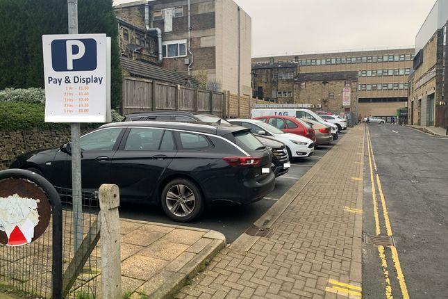 Thumbnail Parking/garage to let in Thomas Street, Halifax