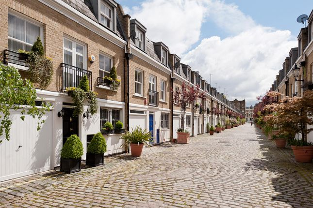 3 bed mews house to rent in Elnathan Mews, London W9