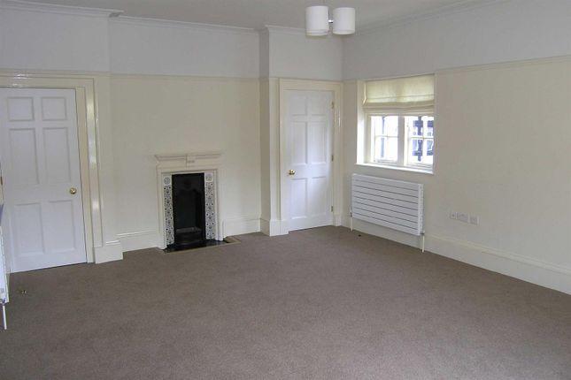 4 Fernbrook - Lounge