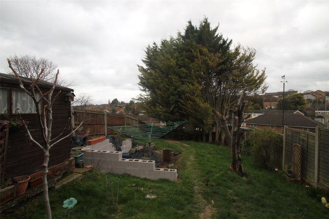 Picture No. 11 of Tedder Avenue, Chatham, Kent ME5