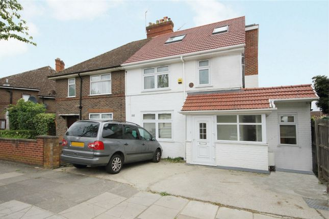 4 bed detached house to rent in Noel Road, London