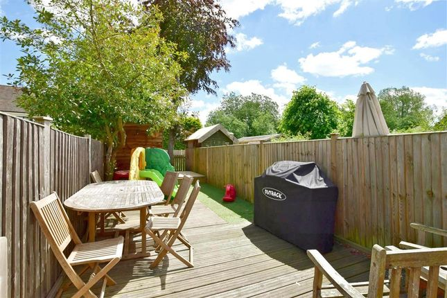 Thumbnail Terraced house for sale in Upper Street, Leeds, Maidstone, Kent